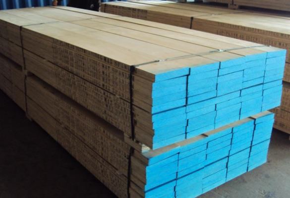 new-wooden-scaffold-planks-585x400